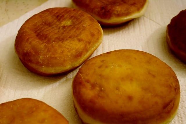 Vegan paczki jelly donuts