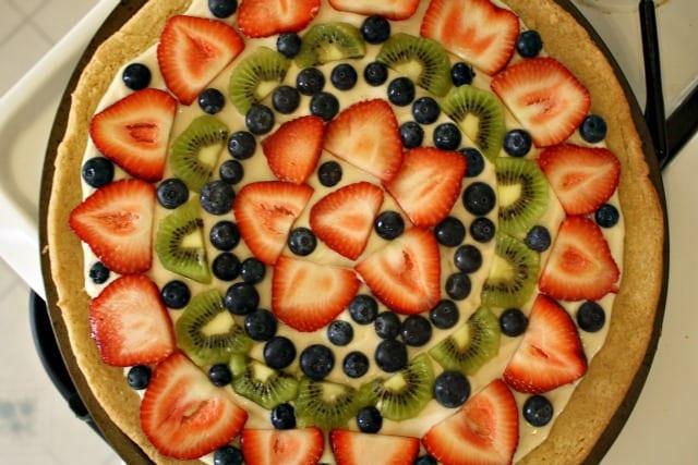 fruit pizza finished