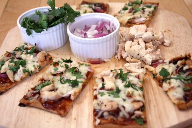 Gluten-free pizza featuring Molly's gluten-free flatbread.  Image source: Michael Anderson